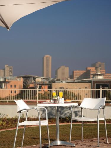 Holiday Inn Express Pretoria Sunnypark photo 11
