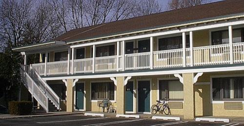 Point Pleasant Inn Photo