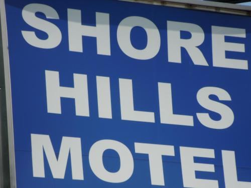 Shore Hills Motel Photo