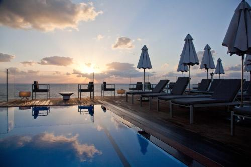 Photo Carlton Tel Aviv Hotel – Luxury on the Beach
