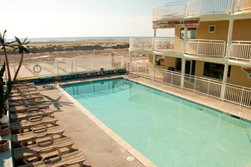 Coliseum Ocean Resort Photo