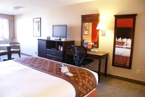 Best Western Plus Dragon Gate Inn photo 11