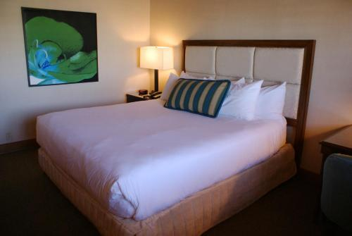 Humphreys Half Moon Inn And Suites - San Diego, CA 92106