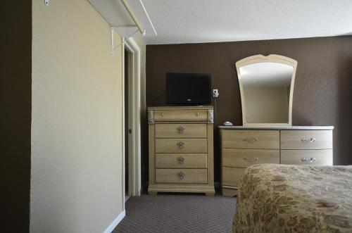 Best Inn Motel Salina Photo
