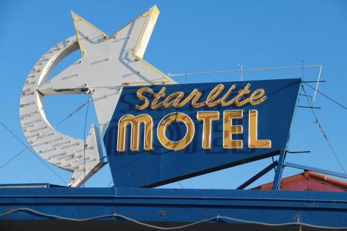 Starlite Motel Photo