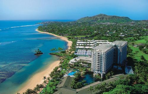 romantic vacation in honolulu, hawaii