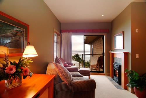 Long Beach Lodge Resort - Tofino, BC V0R 2Z0
