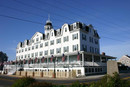 National Hotel Photo