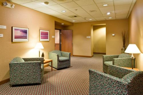 Best Western Plus Oak Harbor Hotel and Conference Center Photo