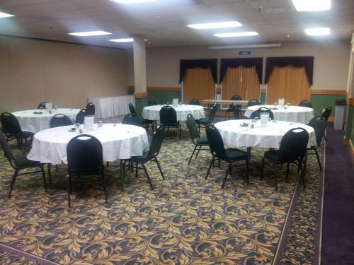 Best Western Plus Mill Creek Inn Photo