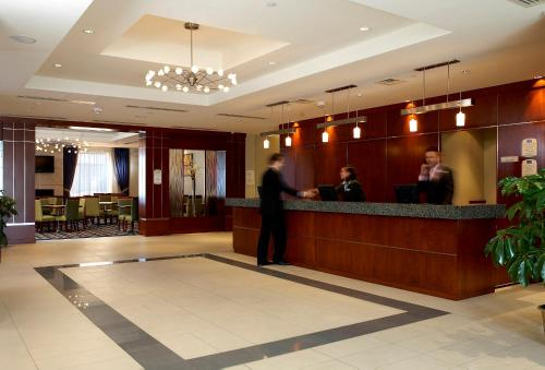 Fairfield Inn & Suites by Marriott Montreal Airport Photo