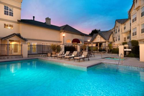 Residence Inn Pleasanton Photo
