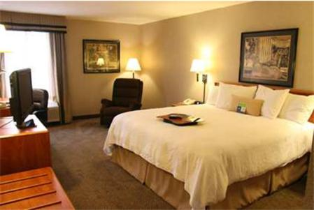 Hampton Inn Columbus/Taylorsville Photo