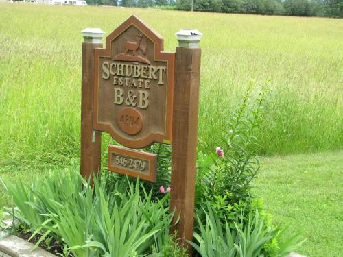 Schubert Estate Bed & Breakfast Photo