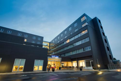 Park Inn by Radisson Copenhagen Airport impression
