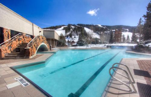Shoshone Ski-In/Ski Out Condo
