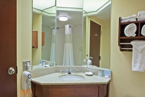 Hampton Inn Cincinnati Riverfront Photo