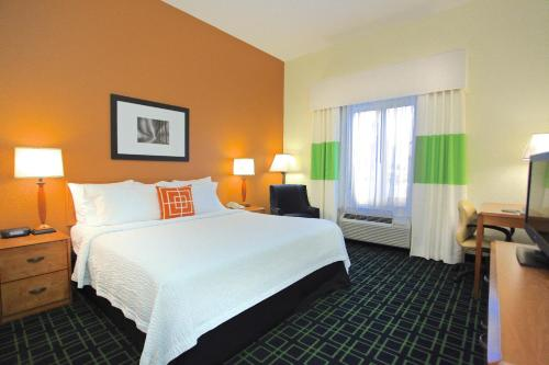 Fairfield Inn and Suites Jacksonville Beach Photo