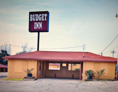 Budget Inn Buffalo Photo