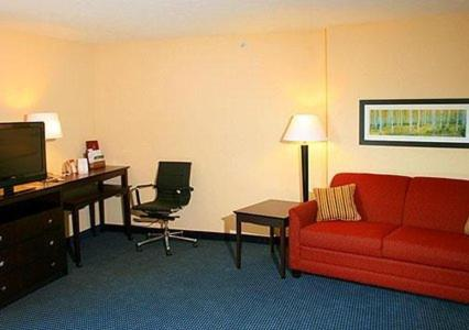 Comfort Suites Lincoln East Photo