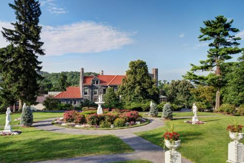 Tarrytown House Estate & Conference Center Photo