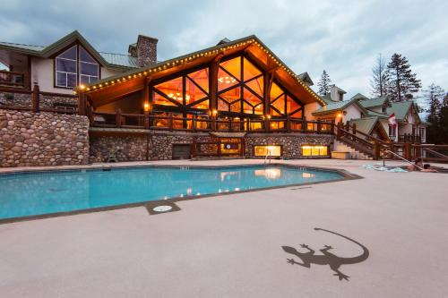 Lizard Creek Lodge Photo