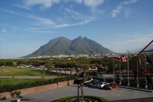 Holiday Inn Monterrey-Parque Fundidora Photo