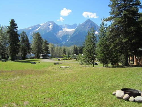Glacier View Cabins & RV Park Photo