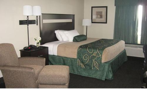Oak Tree Inn Comfort - Comfort, WV 25049