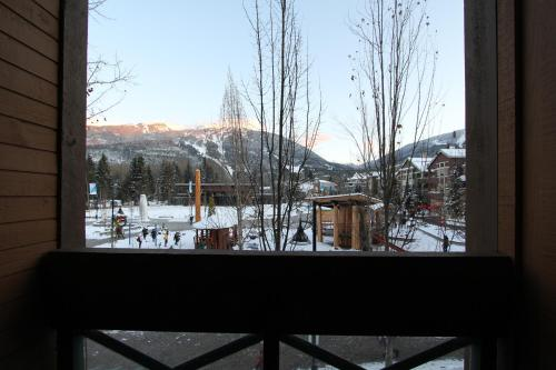 Marketplace Lodge by Whistler Retreats Photo