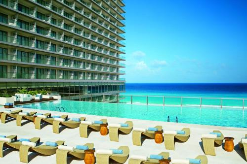 Foto de Secrets The Vine Cancun All Inclusive - Adults Only