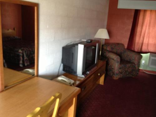 Town and Country Motor Inn Mountain Home AR Photo