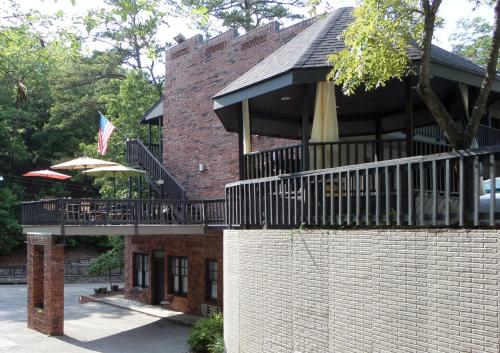 Bella Paradiso Vacation Rentals In Eureka Springs Ar