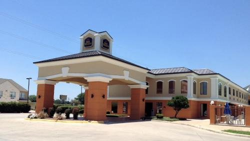 Best Western Inn and Suites New Braunfels in New Braunfels from $120