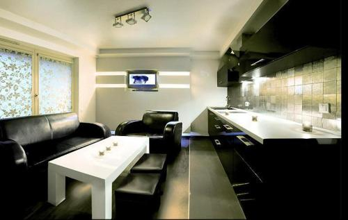 http://www.booking.com/hotel/pl/lori-luxer.html?aid=1518628