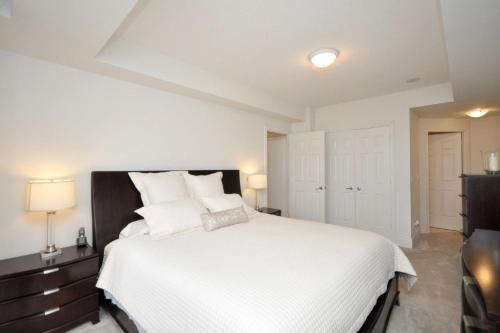 NAPA Furnished Rental Apartments Square One Photo