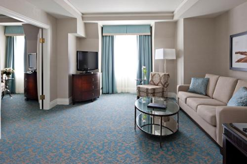 Delta Hotels by Marriott Bessborough Photo