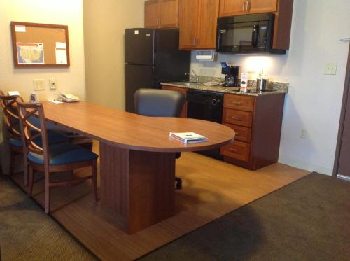 Candlewood Suites Jonesboro Photo