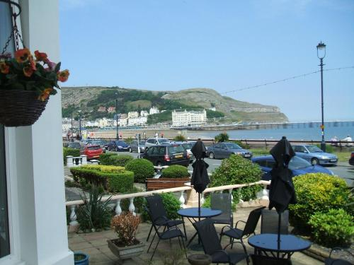 Winchmore Hotel in Llandudno from £40