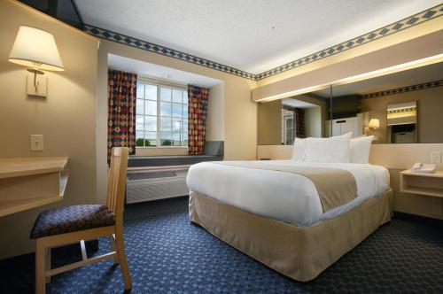 Microtel Inn & Suites By Wyndham Independence - Independence, KS 67301