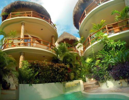 Villas Sacbe Condo Hotel and Beach Club Photo