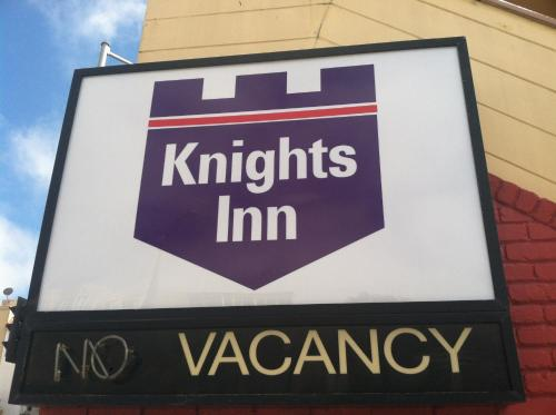 Knights Inn photo 6