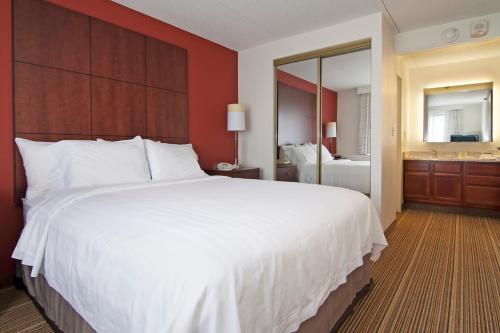 Residence Inn by Marriott Minneapolis Edina Photo