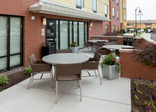 TownePlace Suites Buffalo Airport Photo