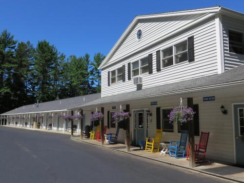 Photo of Bayside Inn & Marina hotel in Cooperstown