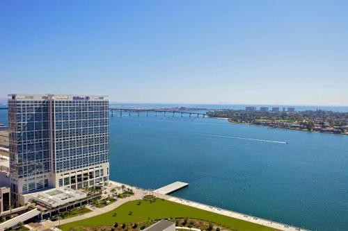 Hilton San Diego Bayfront Photo