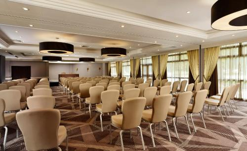 DoubleTree by Hilton London Ealing photo 18