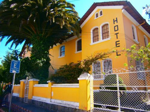 The Yellow House Photo