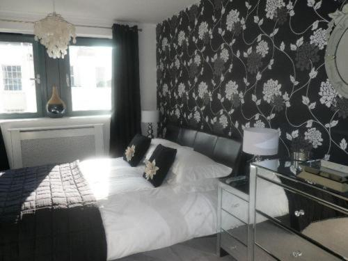 Photo of Love Cheltenham Hotel Bed and Breakfast Accommodation in Cheltenham Gloucestershire