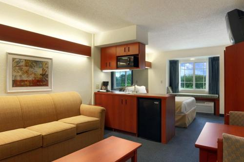 Microtel Inn & Suites by Wyndham Middletown Photo